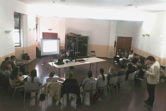 Fernando Lallana impartiendo el curso Gestión del Tiempo y Presentaciones Eficaces a los trabajadores de CECAP